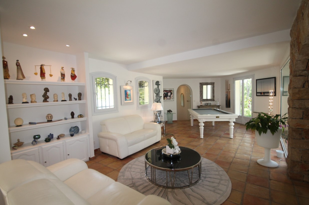 Cannes Luxury Rental Villa Calendula Living Room