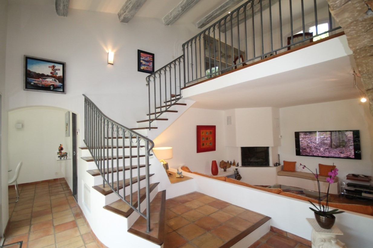 Cannes Luxury Rental Villa Calendula Living Room 6
