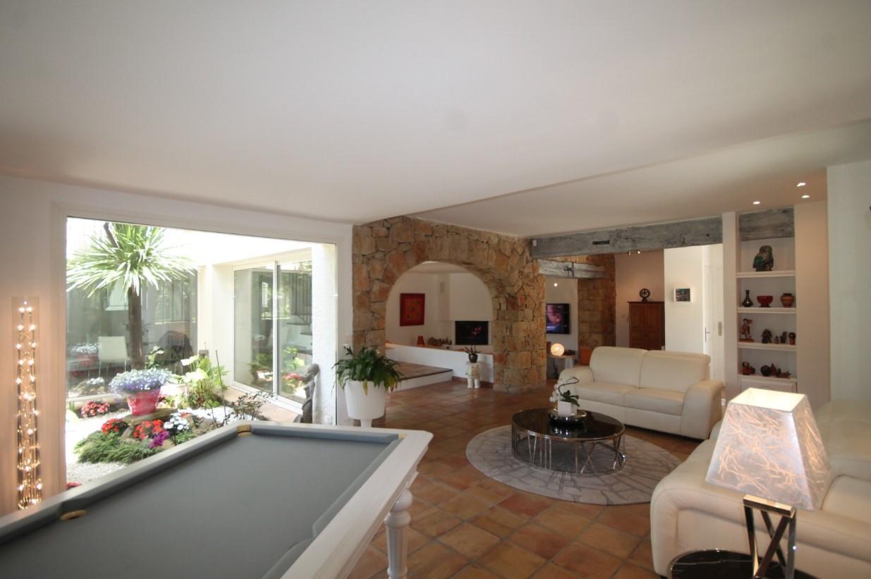 Cannes Luxury Rental Villa Calendula Living Room 7