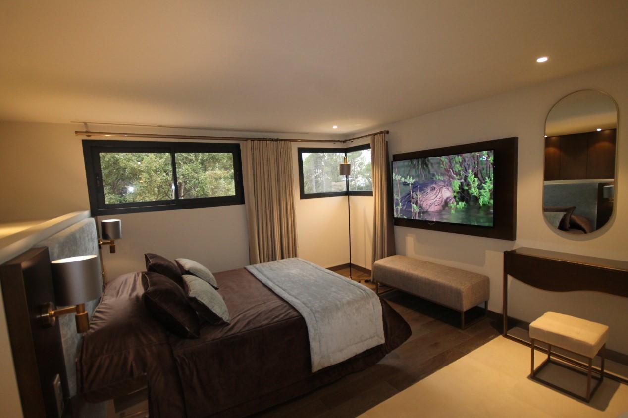 Cannes Luxury Rental Villa Cavanzite Bedroom