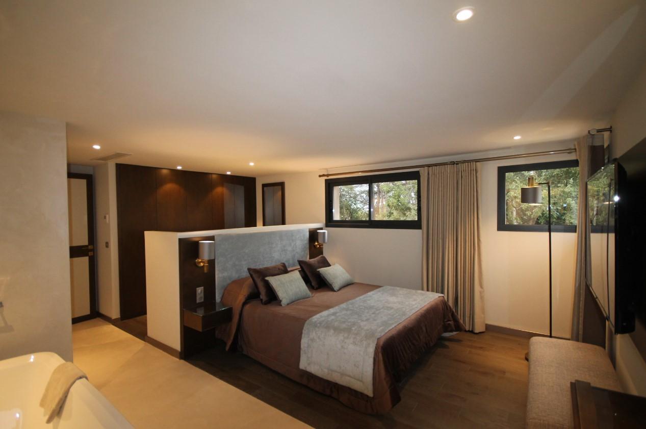 Cannes Luxury Rental Villa Cavanzite Bedroom 3