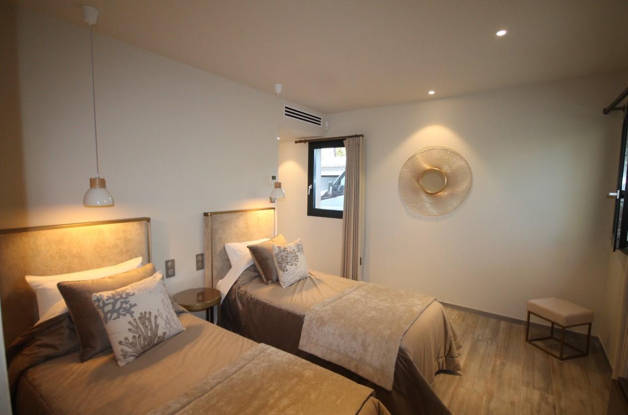 Cannes Luxury Rental Villa Cavanzite Bedroom 5