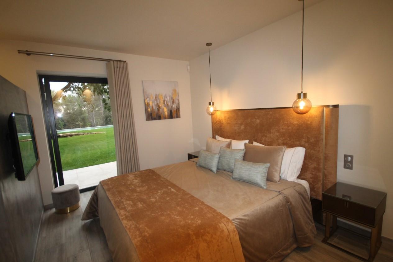 Cannes Luxury Rental Villa Cavanzite Bedroom 7