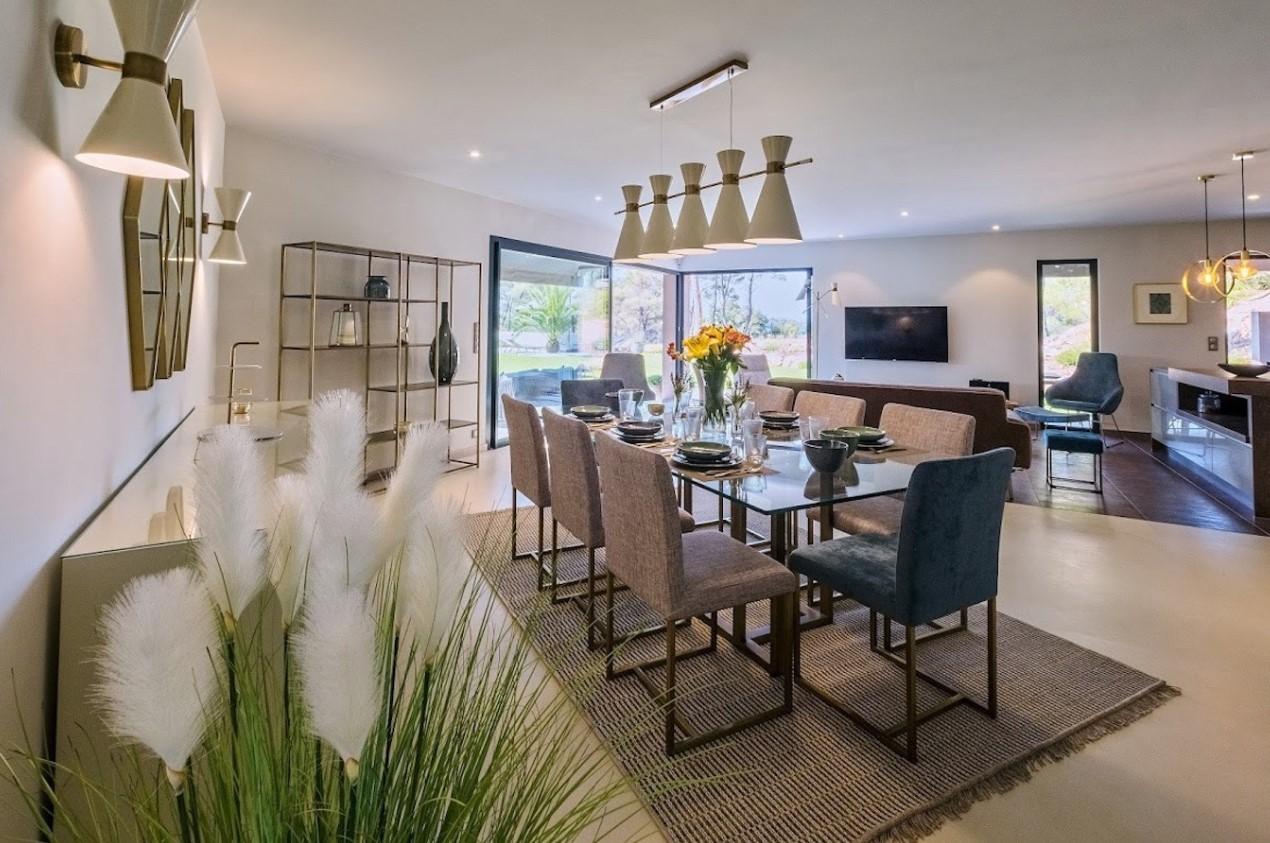 Cannes Luxury Rental Villa Cavanzite Dining Room 2