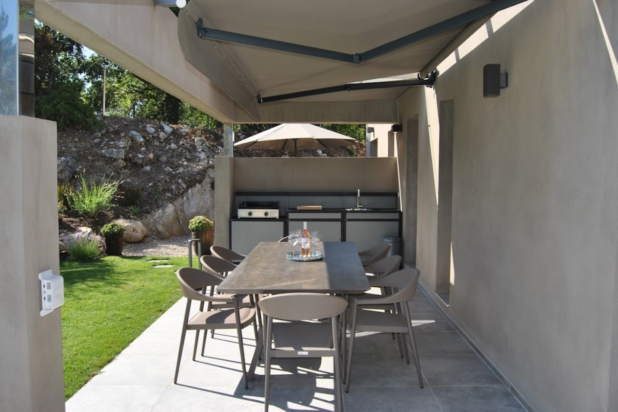 Cannes Luxury Rental Villa Cavanzite Outdoor Dining Room