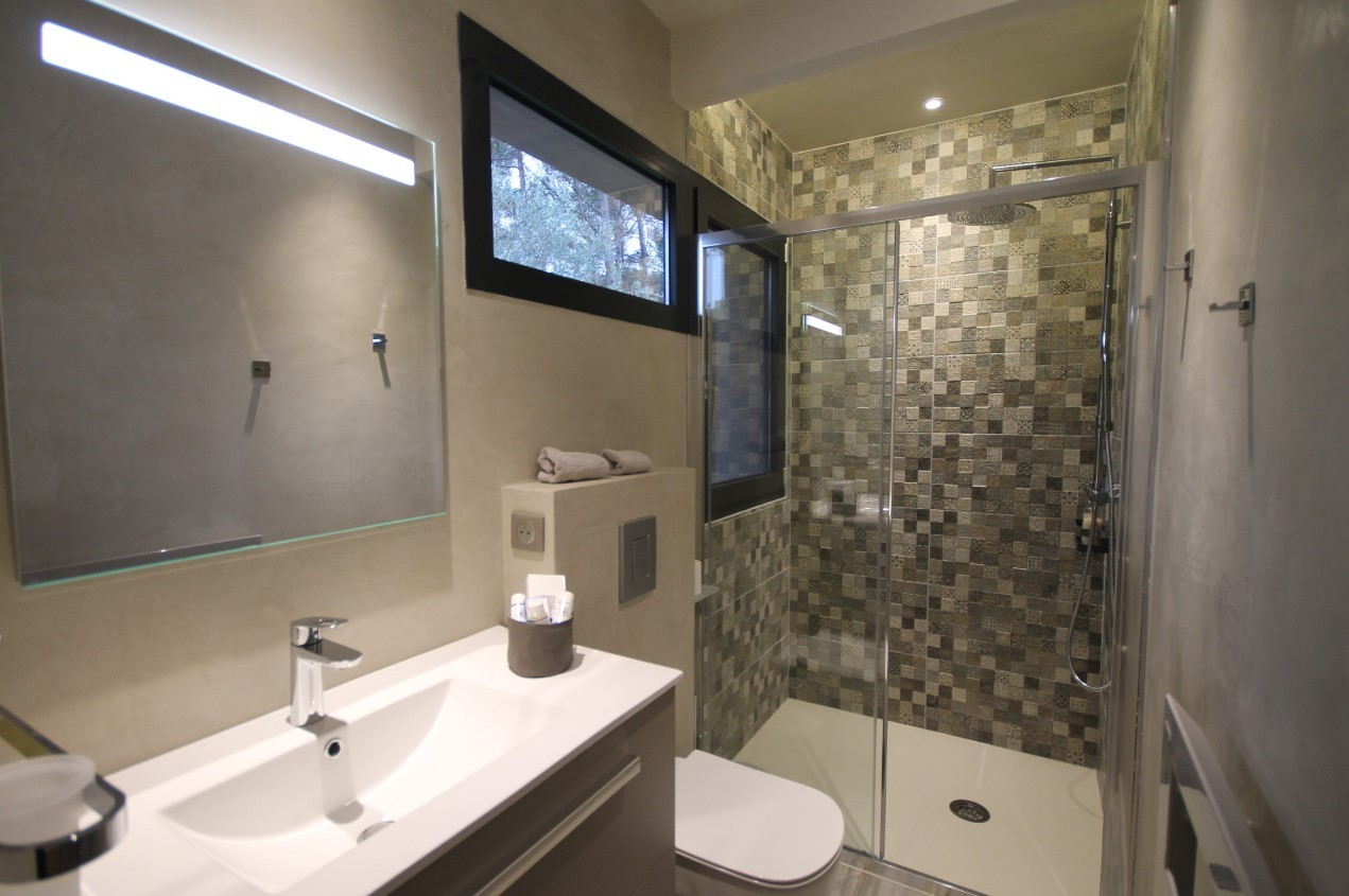 Cannes Luxury Rental Villa Cavanzite Bathroom