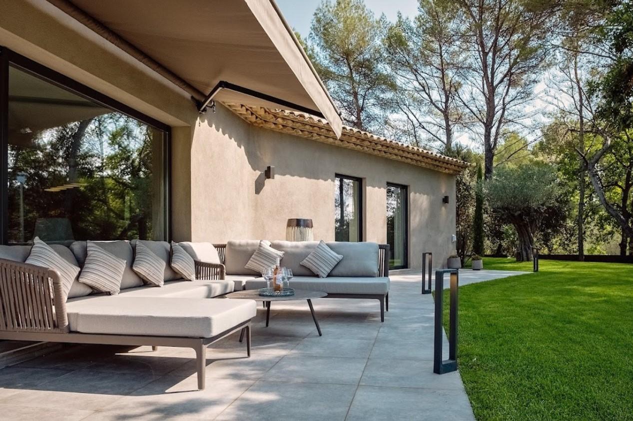 Cannes Luxury Rental Villa Cavanzite Terrace 2