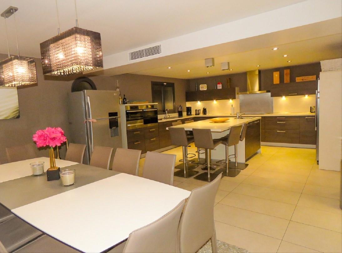 Cannes Luxury Rental Villa Coquelourde Kitchen