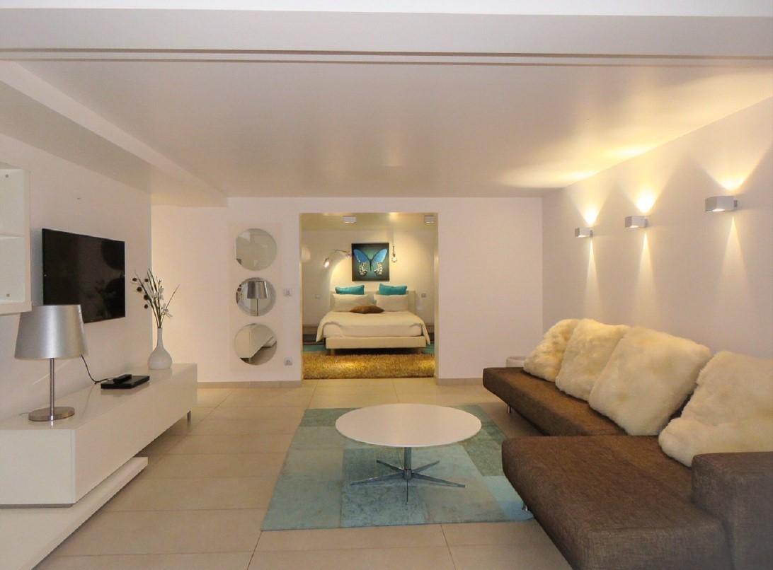 Cannes Luxury Rental Villa Coquelourde Tv Room