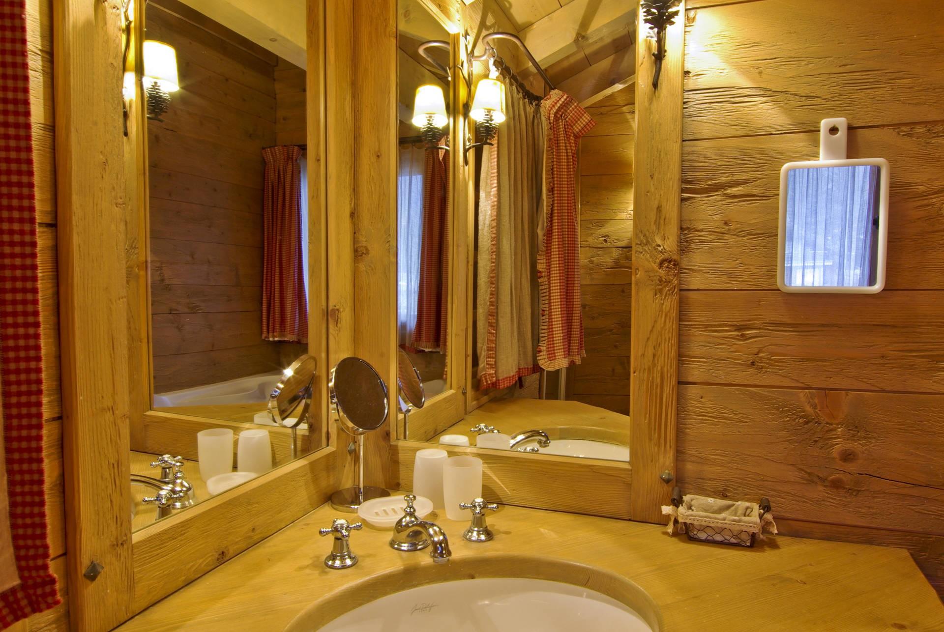 Chamonix Location Chalet Luxe Collinsite Salle De Bain 3