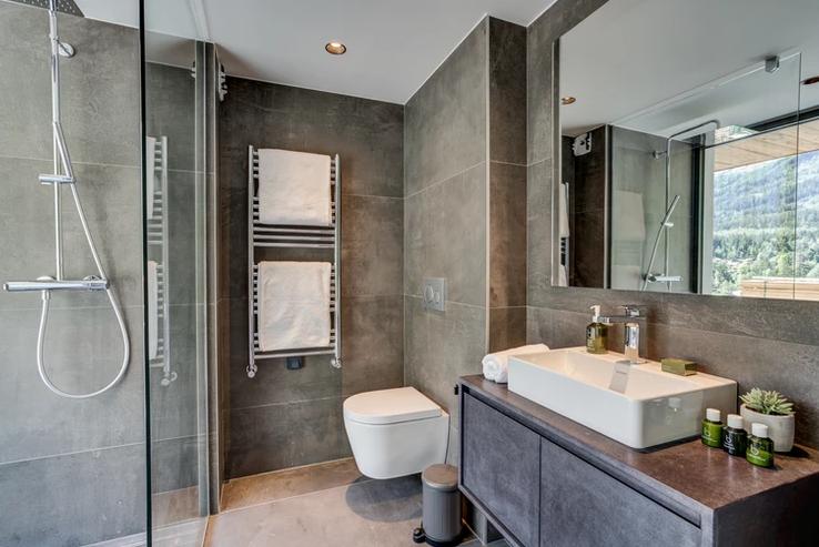 Chamonix Luxury Rental Chalet Coradi Bathroom 3
