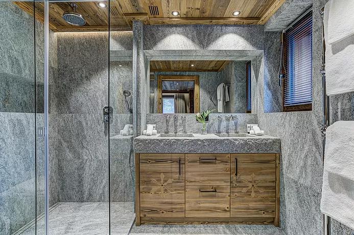 Chamonix Luxury Rental Chalet Courose Shower Room