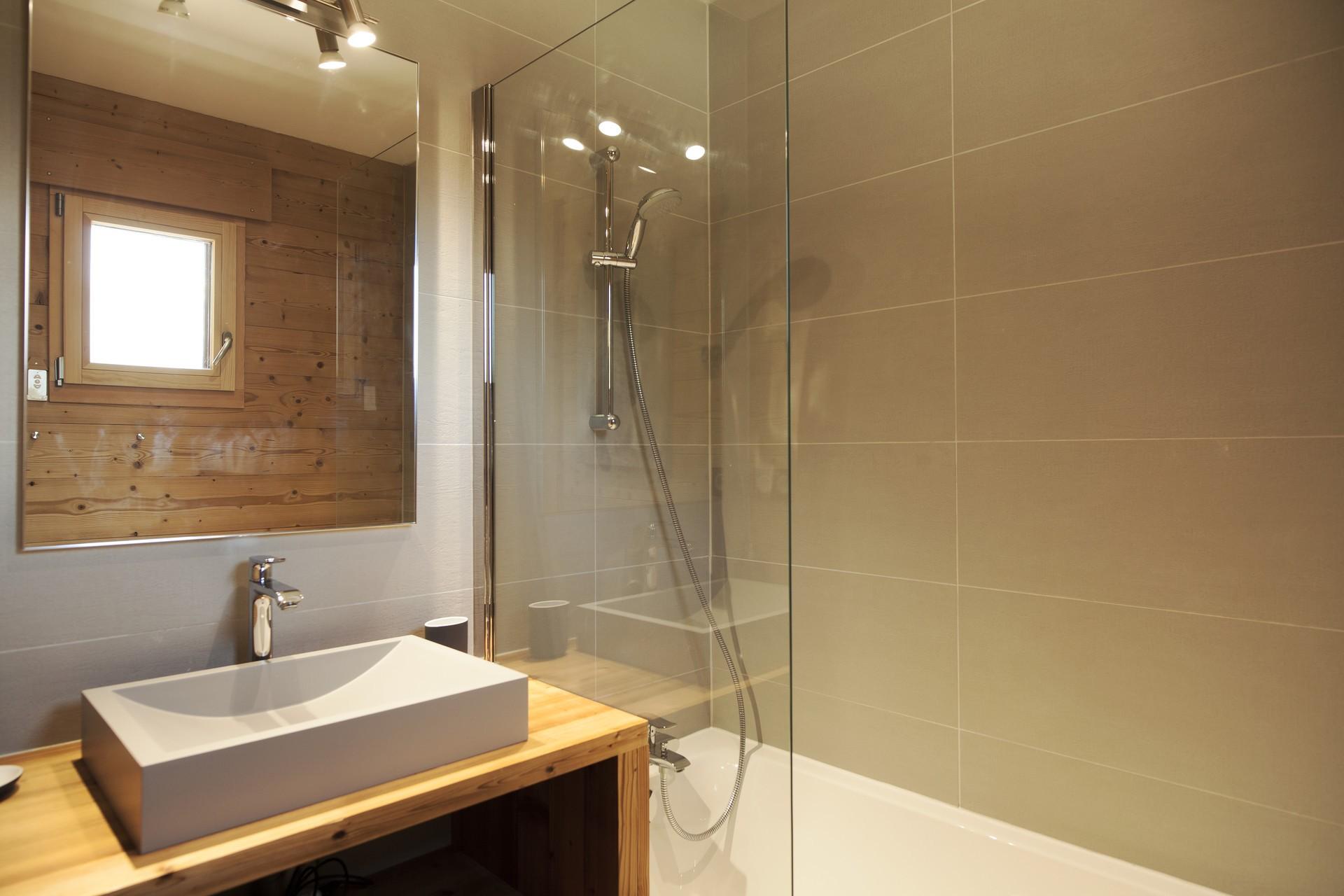 Chamonix Luxury Rental Chalet Cristy Shower Room 2