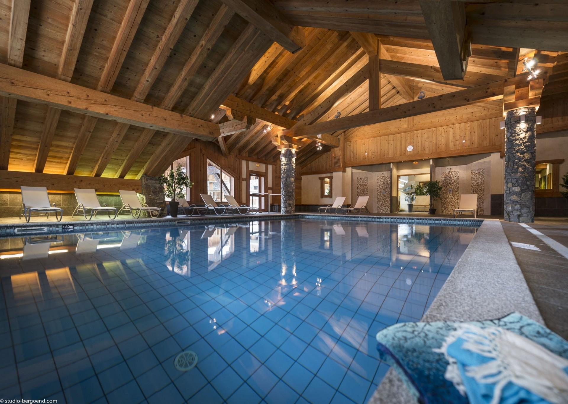 Champagny En Vanoise Location Appartement Luxe Chapminice Piscine 1