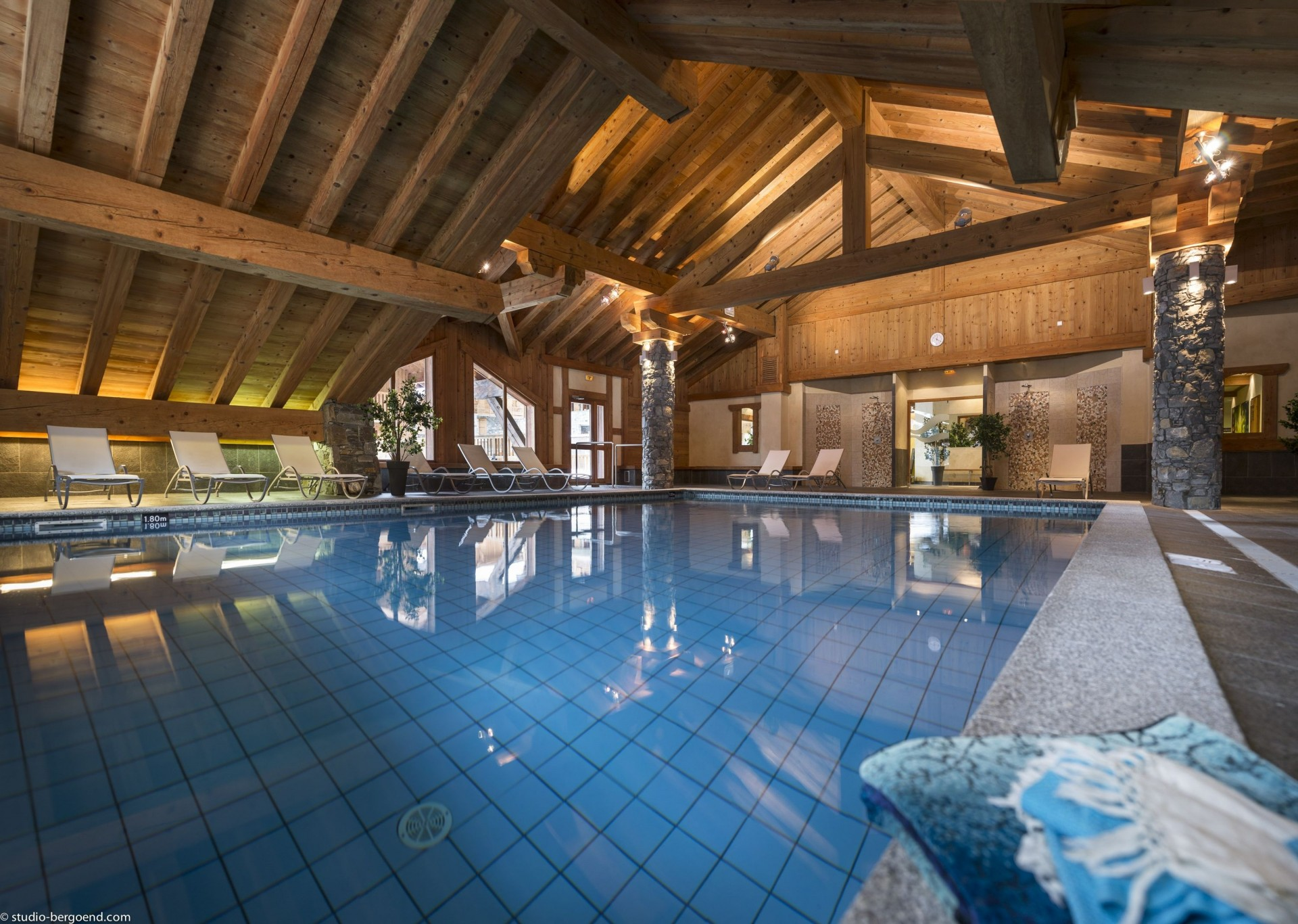 Champagny En Vanoise Location Appartement Luxe Chapminite Piscine 1