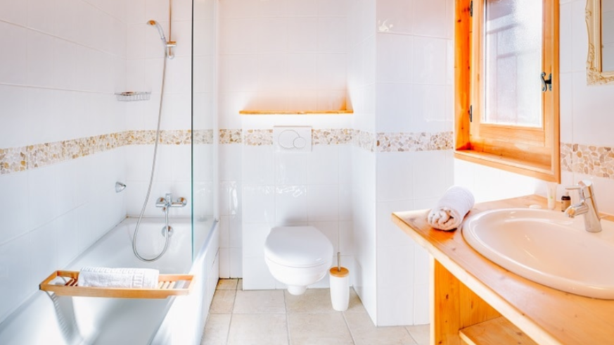 Chatel Luxury Rental Chalet Chadwickite Bathroom 2