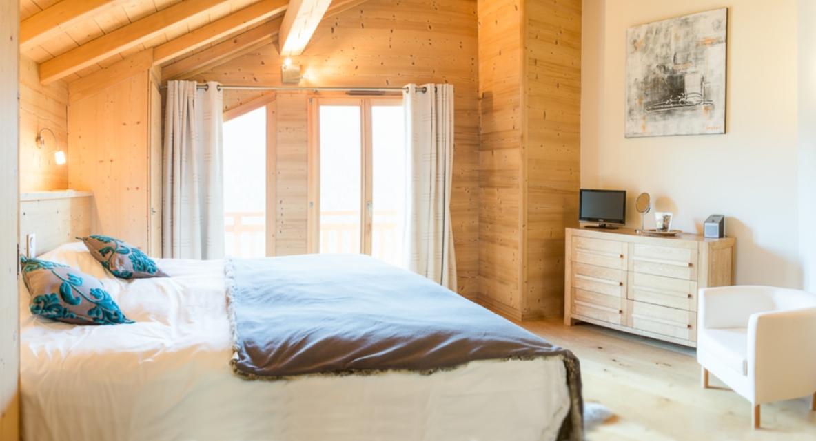 Chatel Luxury Rental Chalet Chalcocyanite Bedroom 3