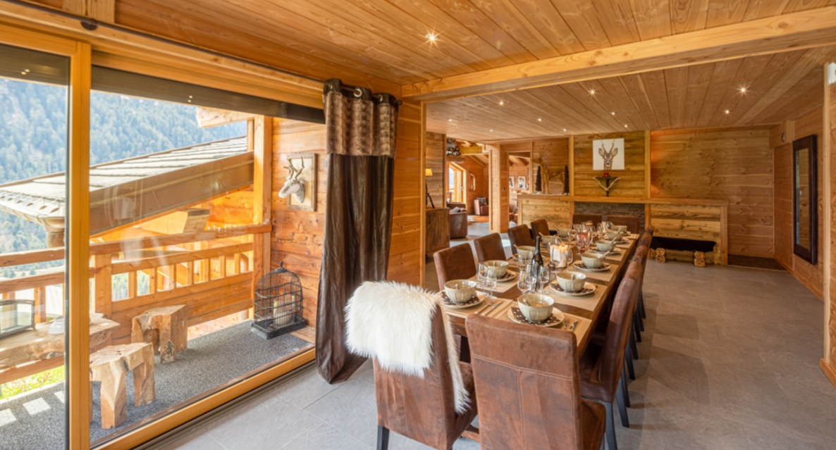 Chatel Luxury Rental Chalet Chapa Dining Area