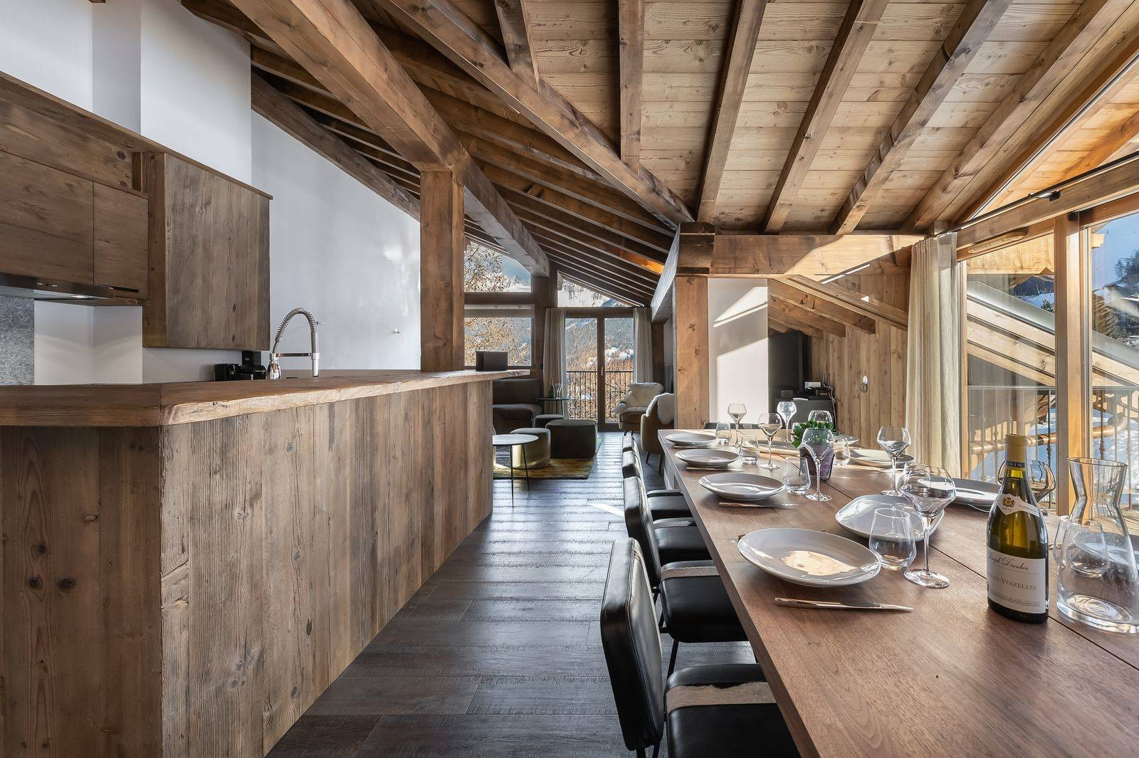 Courchevel 1300 Luxury Rental Appartment Tilanche Dining Area 2