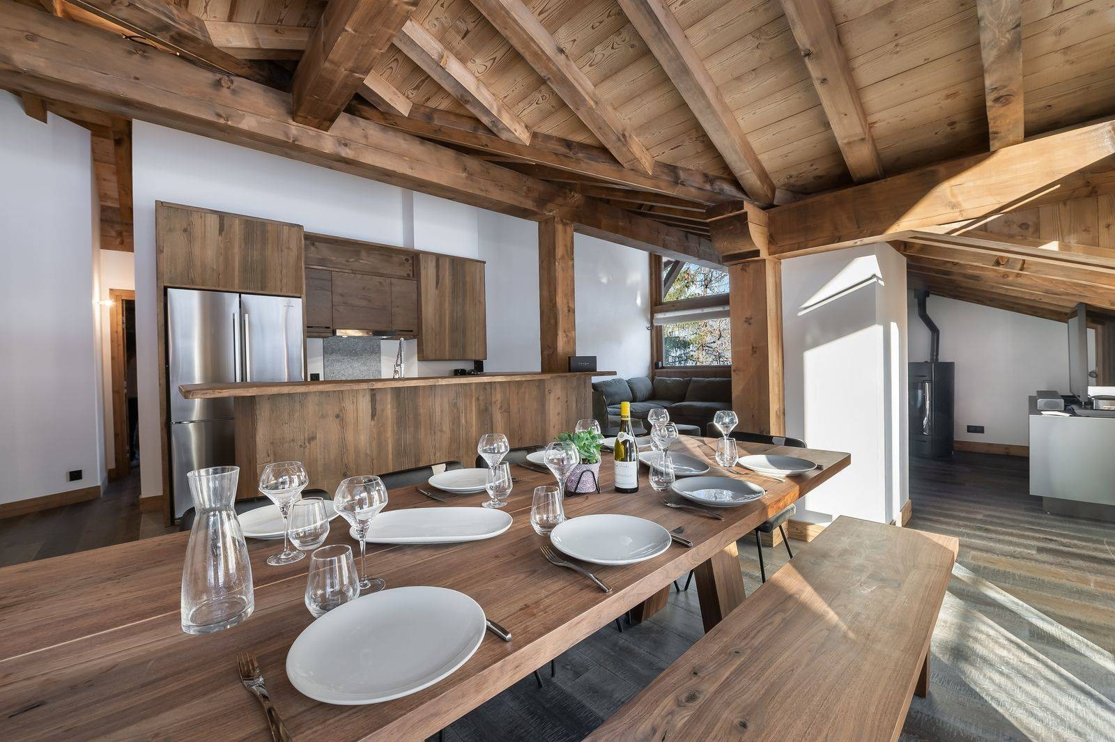 Courchevel 1300 Luxury Rental Appartment Tilanche Dining Area 3