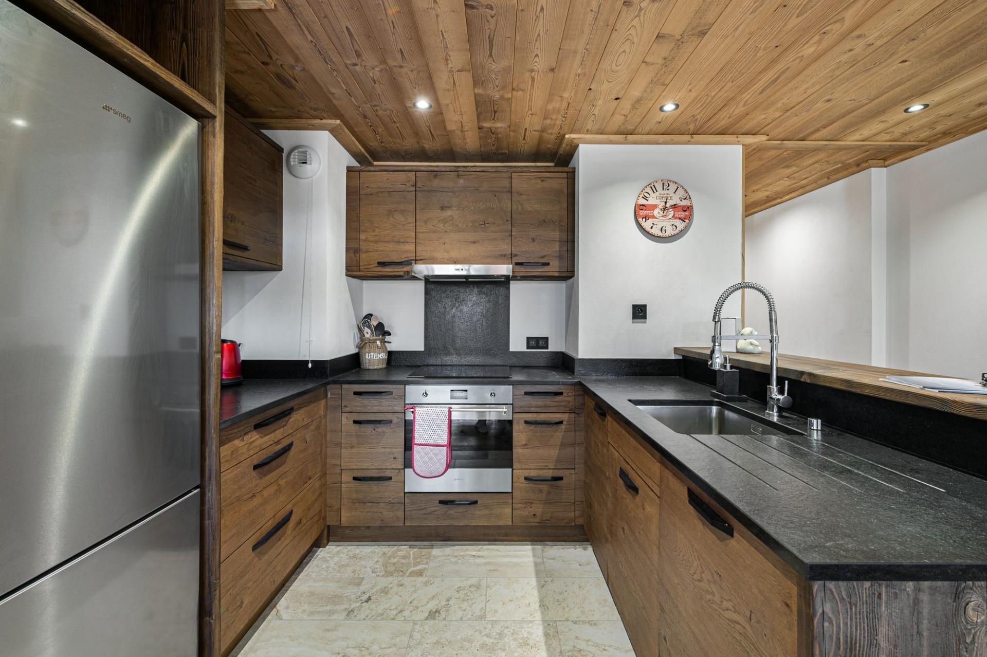 Courchevel 1300 Luxury Rental Appartment Tilite Kitchen