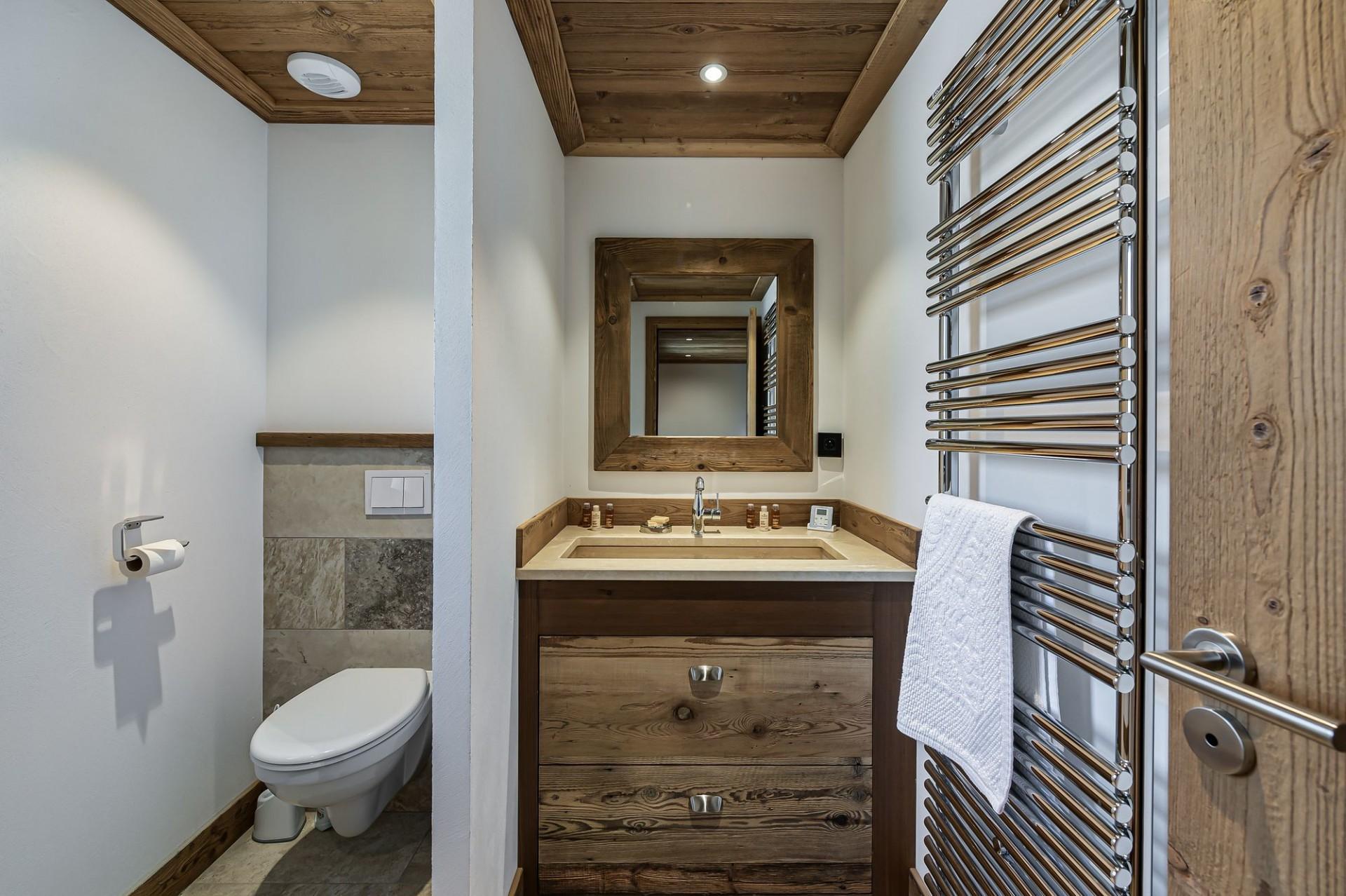 Courchevel 1300 Luxury Rental Appartment Tilite Bathroom 3