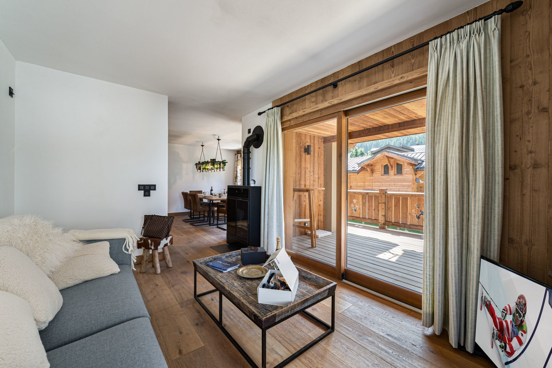 Courchevel 1300 Luxury Rental Appartment Tilite Living Room 2