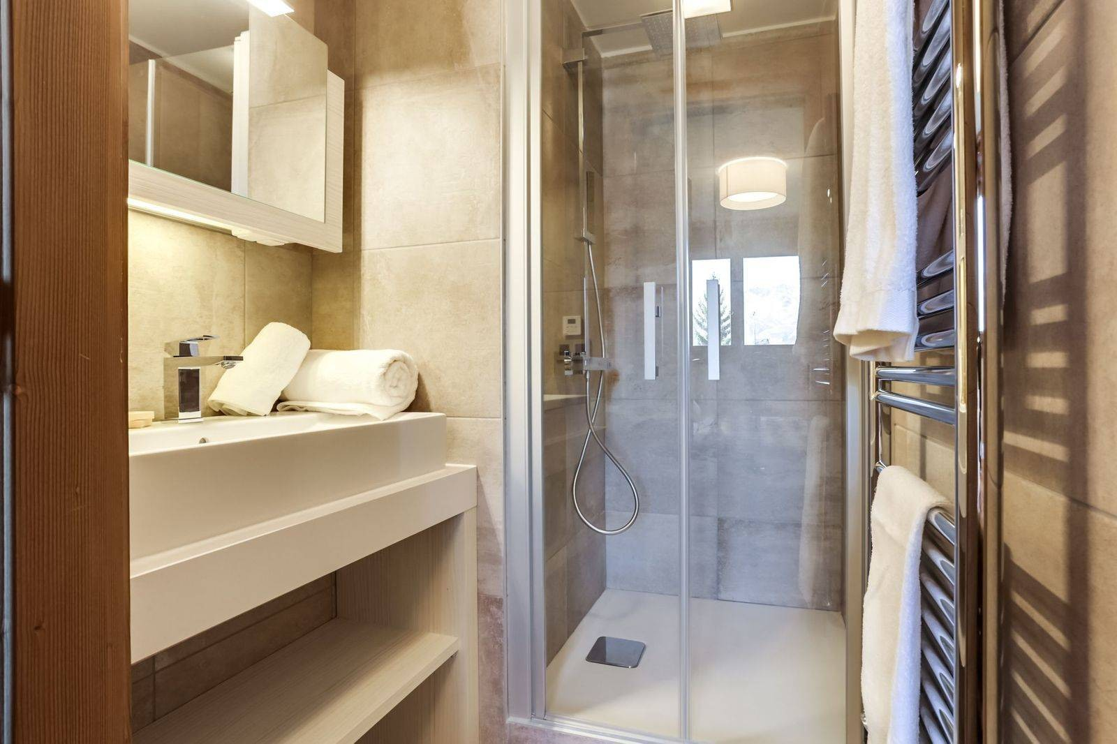 Courchevel 1550 Luxury Rental Appartment Telikia Bathroom