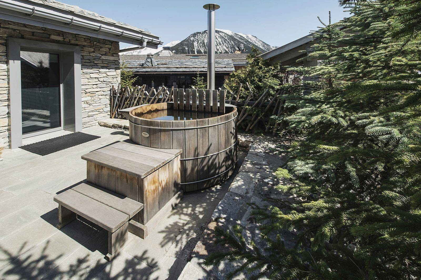 Courchevel 1550 Luxury Rental Chalet Niibite Nordic Bath