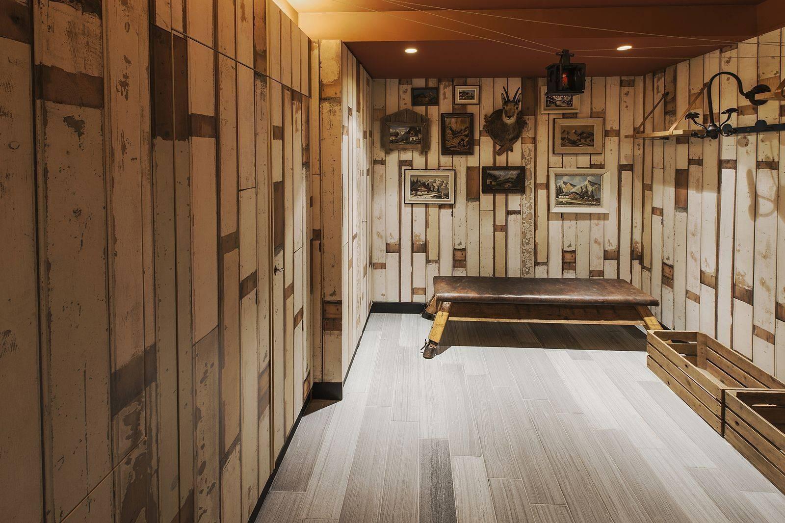 Courchevel 1550 Luxury Rental Chalet Niibite Ski Room