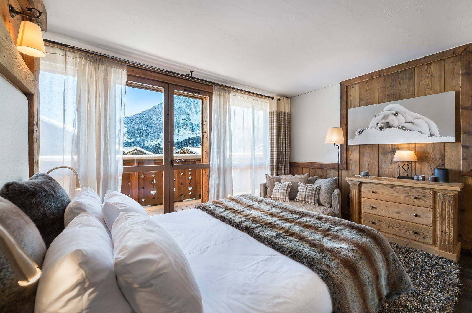 Courchevel 1550 Luxury Rental Chalet Niobite Bedroom 4