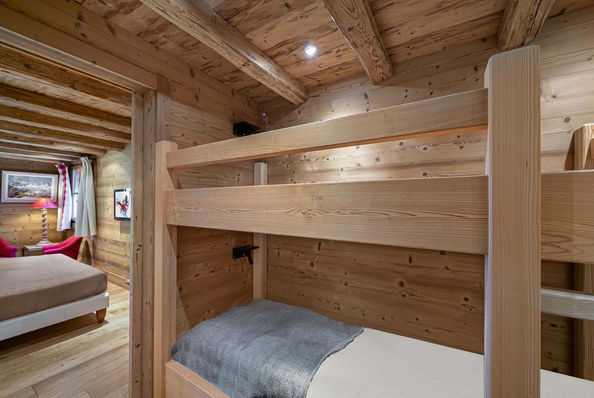 Courchevel 1550 Luxury Rental Chalet Niuréole Bedroom 4
