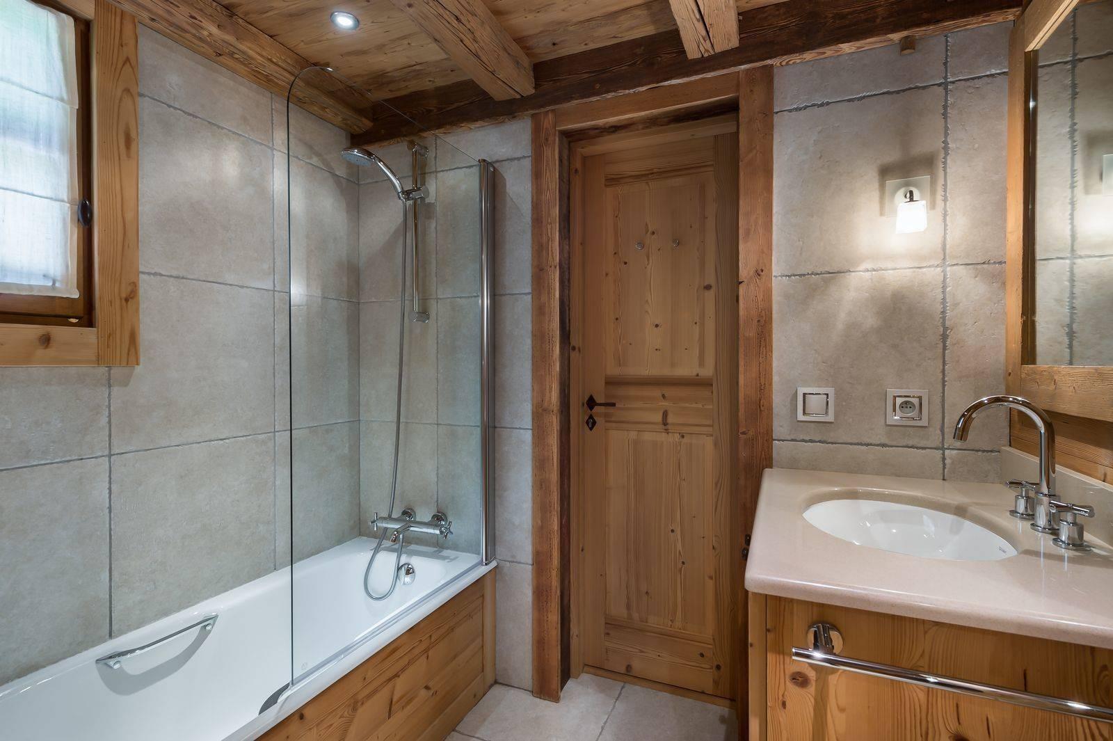 Courchevel 1550 Luxury Rental Chalet Niuréole Bathroom 3