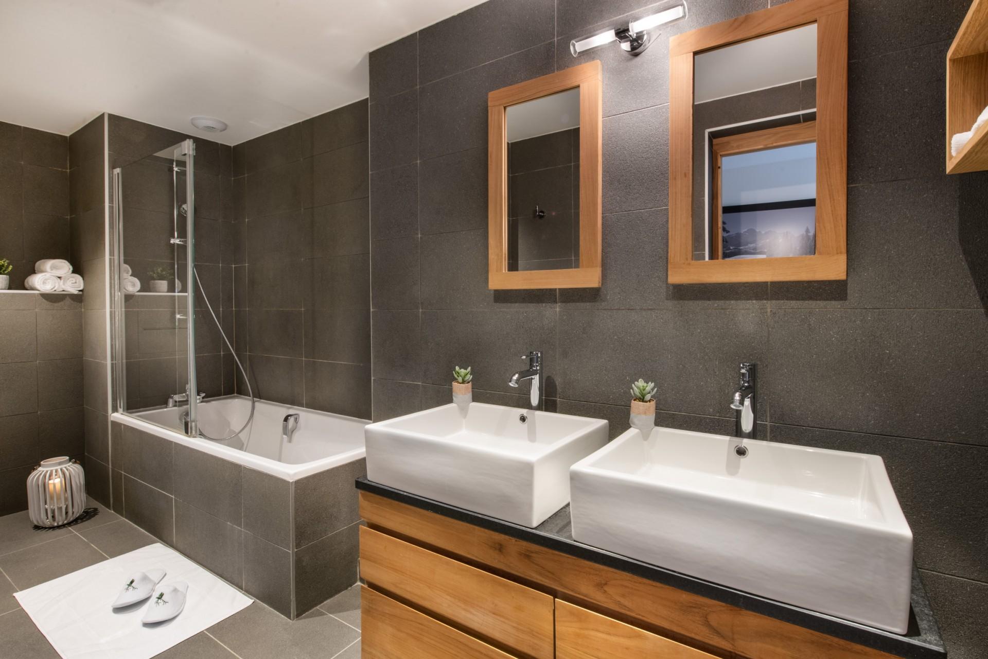 Courchevel 1650 Location Appartement Luxe Allanite Salle De Bain 3