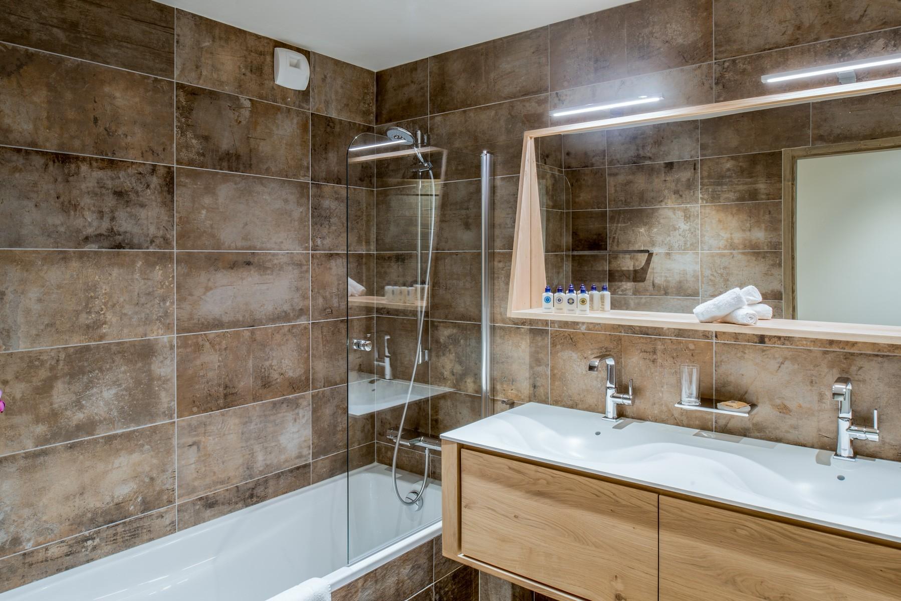 Courchevel 1650 Location Appartement Luxe Amurile Salle De Bain 3