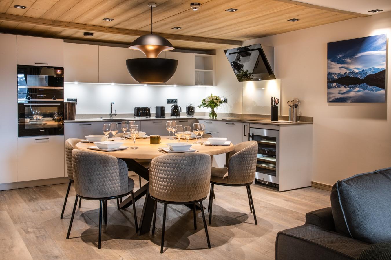 Courchevel 1650 Luxury Rental Appartment Auralite Kitchen