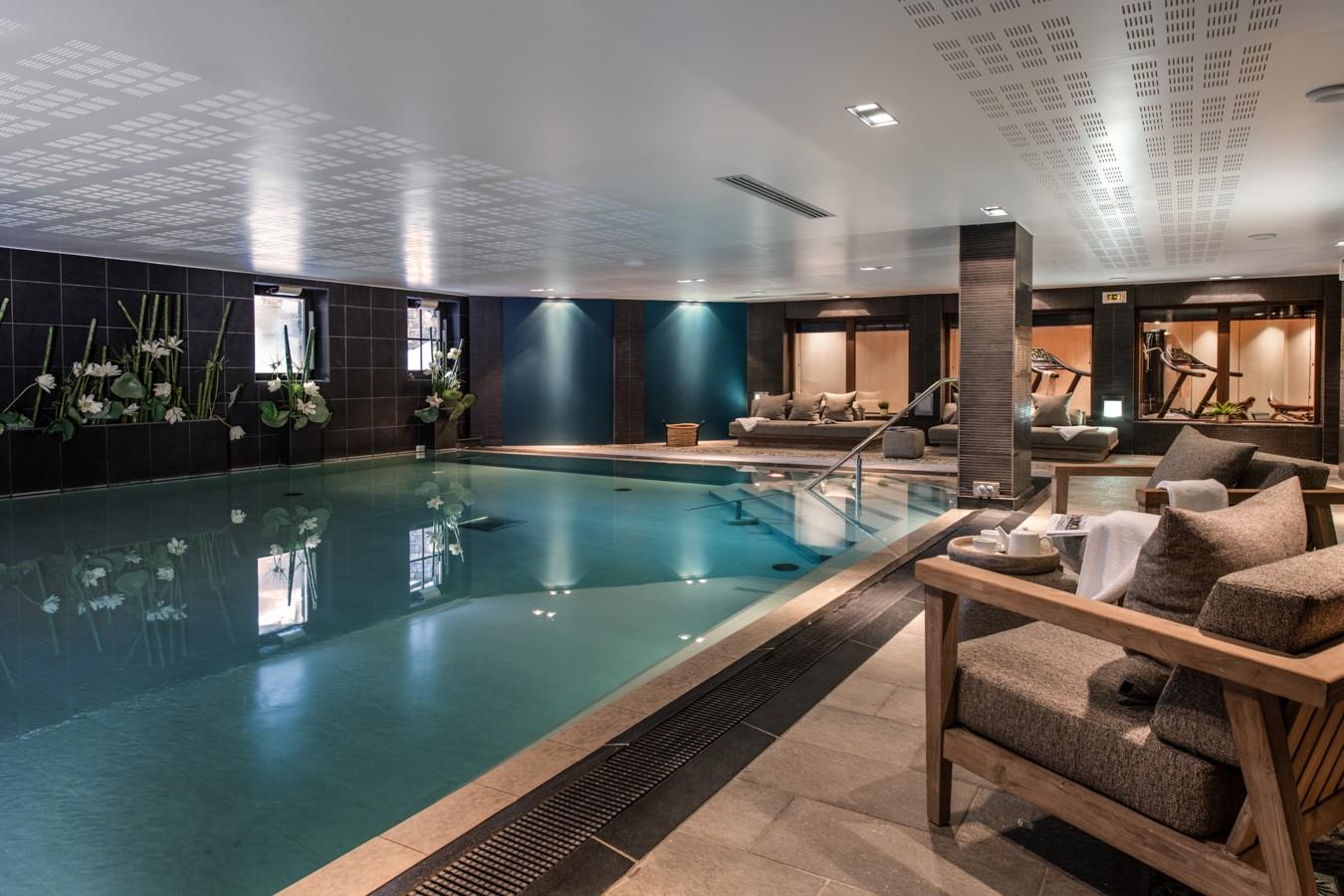 Courchevel 1650 Luxury Rental Appartment Auralite Pool
