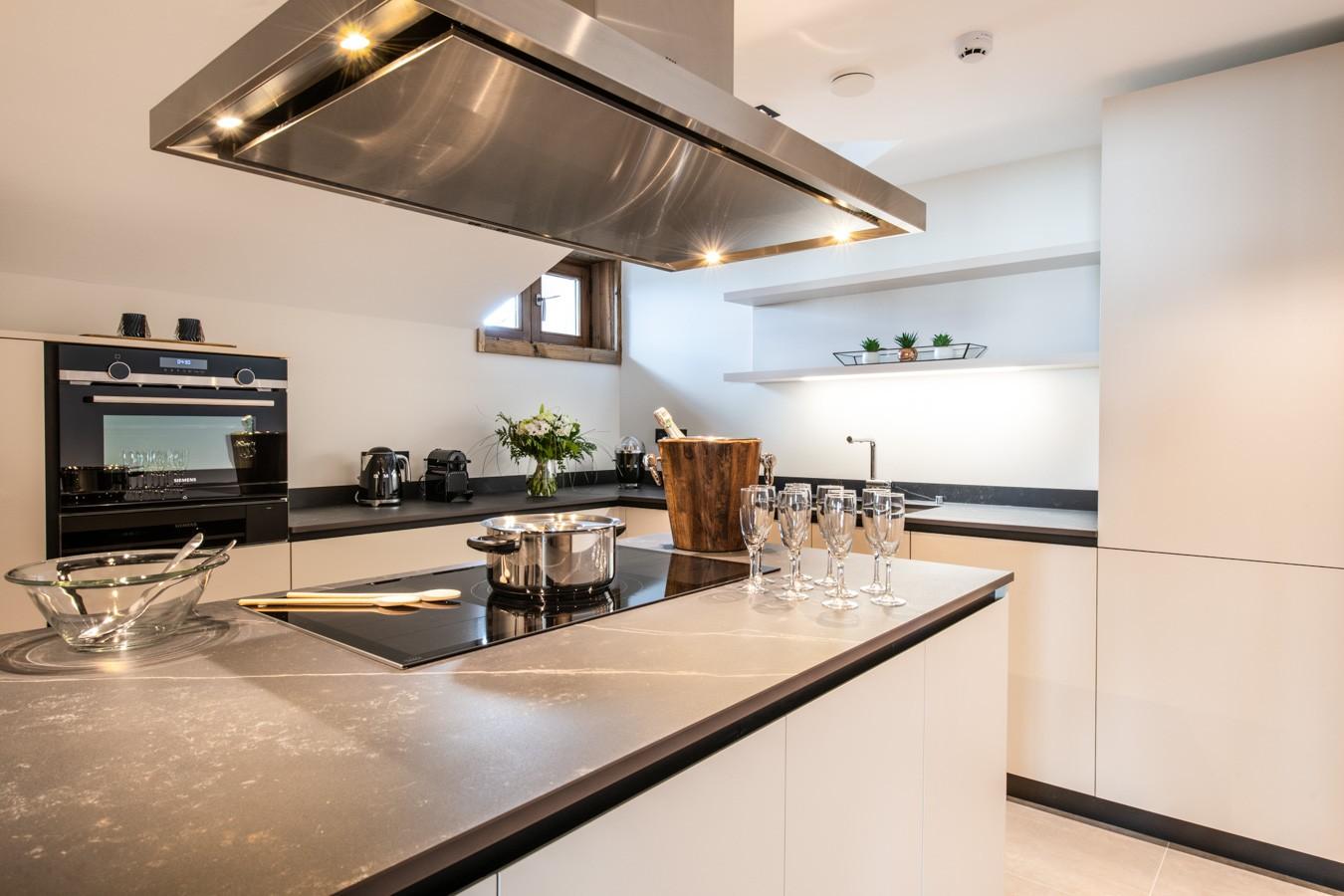 Courchevel 1650 Luxury Rental Appartment Aurylite Kitchen