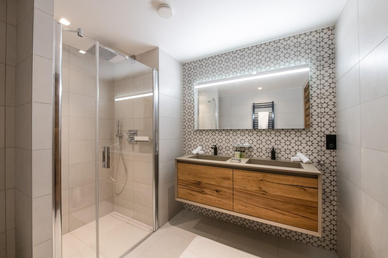 Courchevel 1650 Luxury Rental Appartment Aurylite Bathroom