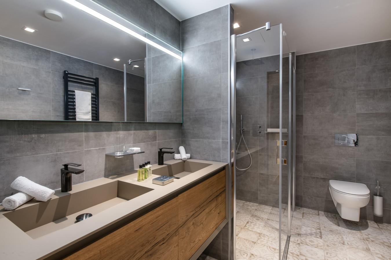 Courchevel 1650 Luxury Rental Appartment Aurylite Bathroom 3