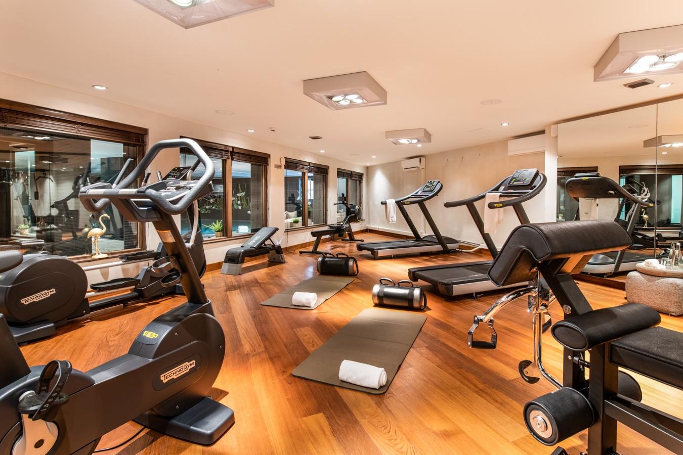 Courchevel 1650 Luxury Rental Appartment Aurylite Fitness Room