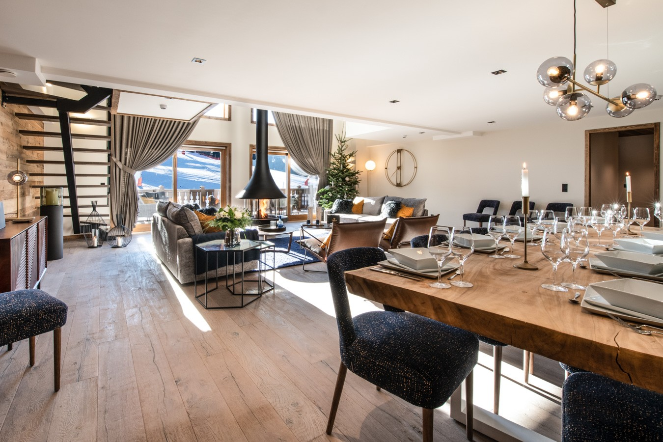 Courchevel 1650 Luxury Rental Appartment Aurylite Living Room 2