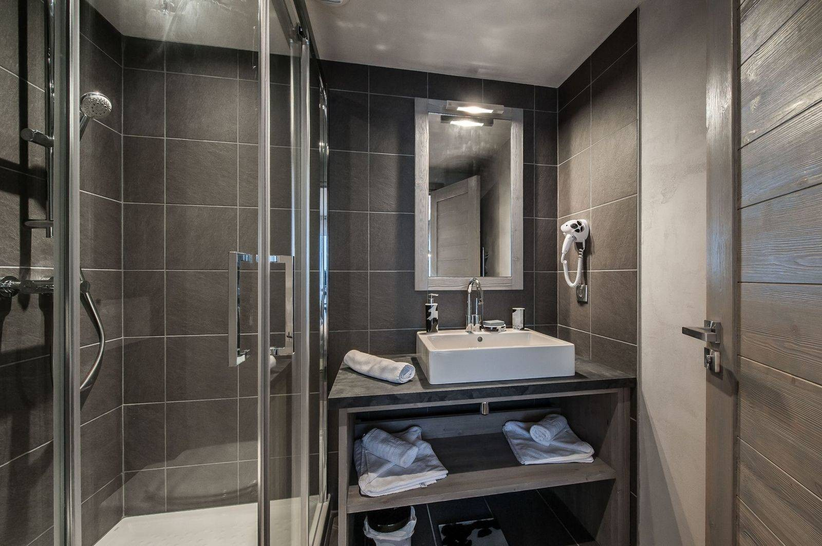 Courchevel 1650 Luxury Rental Appartment Dracali Bathroom 3