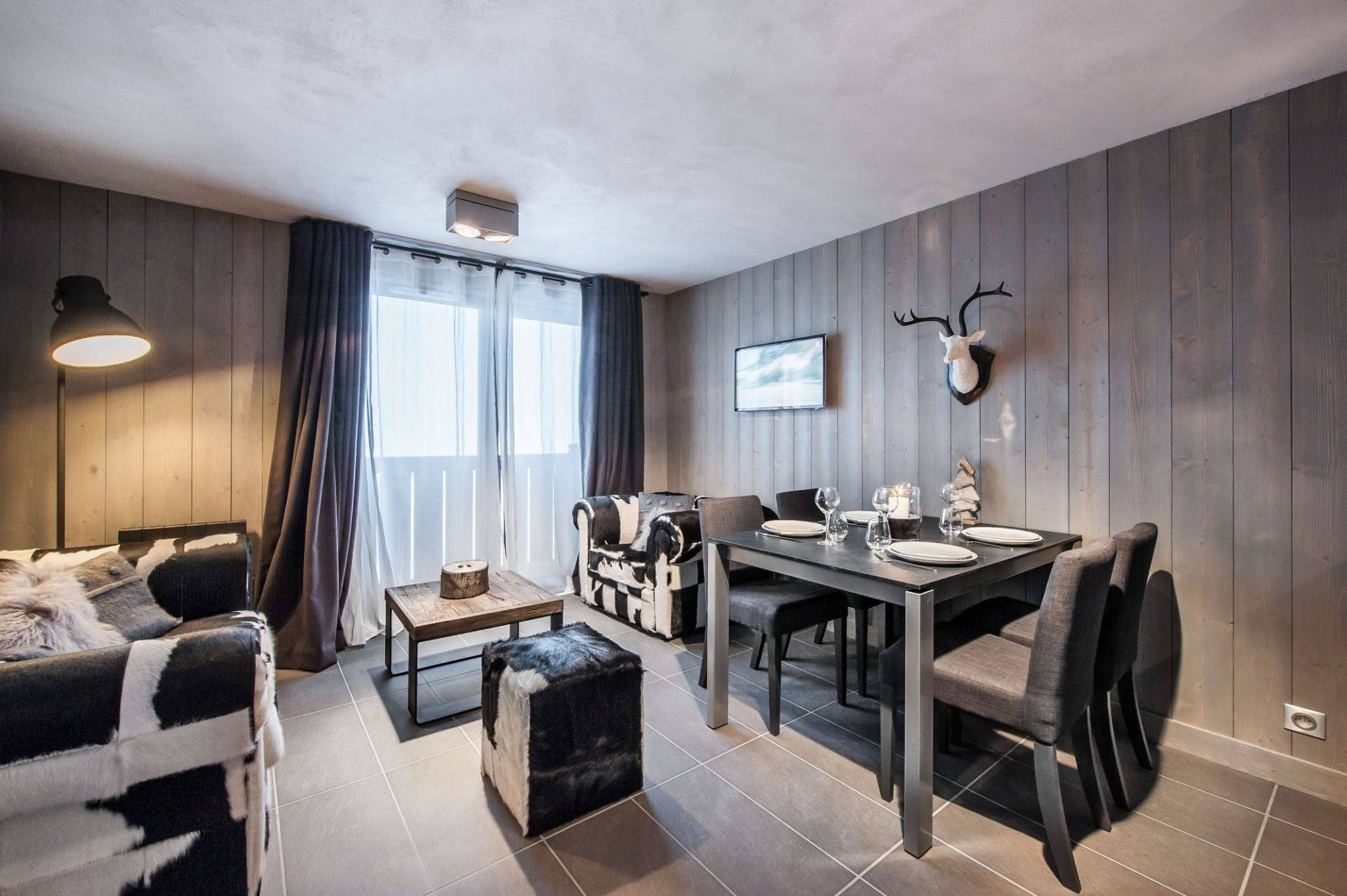Courchevel 1650 Luxury Rental Appartment Dracali Living Room 2
