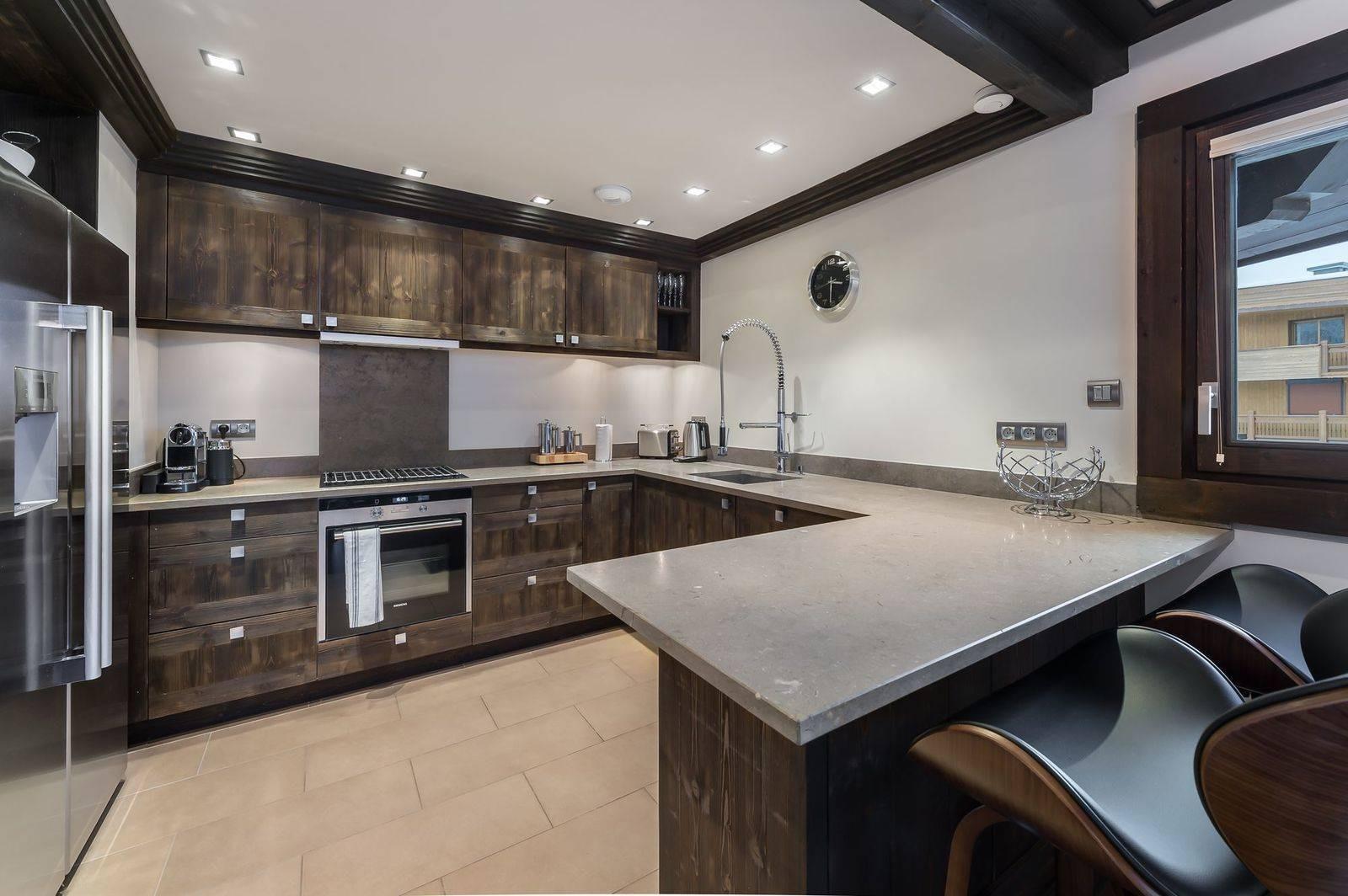 Courchevel 1650 Luxury Rental Appartment Neroflier Kitchen