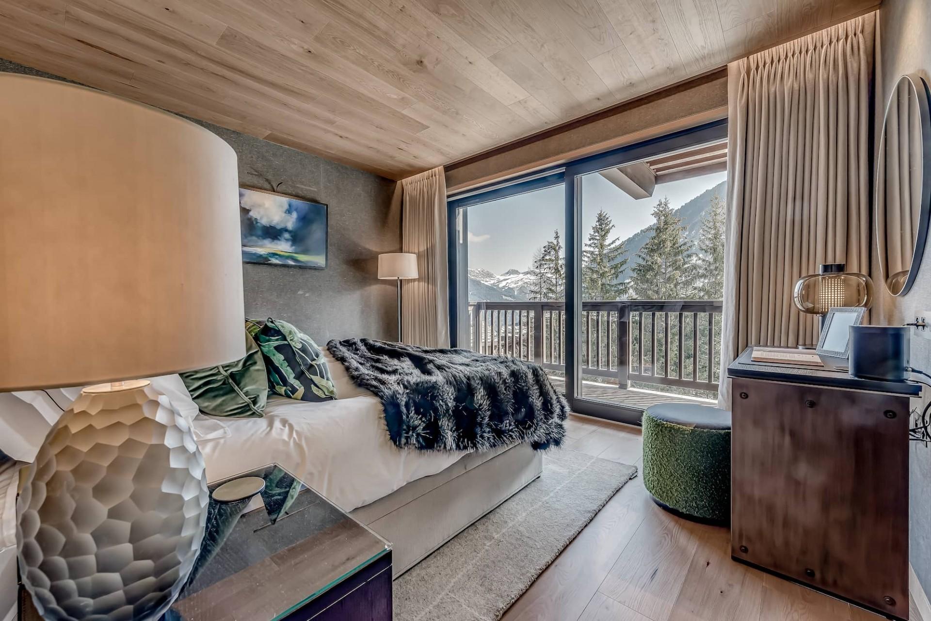 Courchevel 1650 Luxury Rental Chalet Elana Bedroom 2