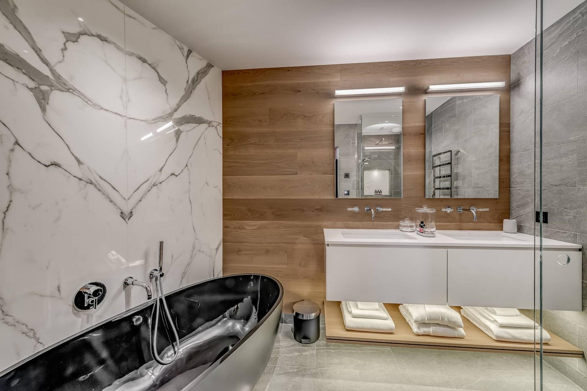 Courchevel 1650 Luxury Rental Chalet Elana Bathroom 2