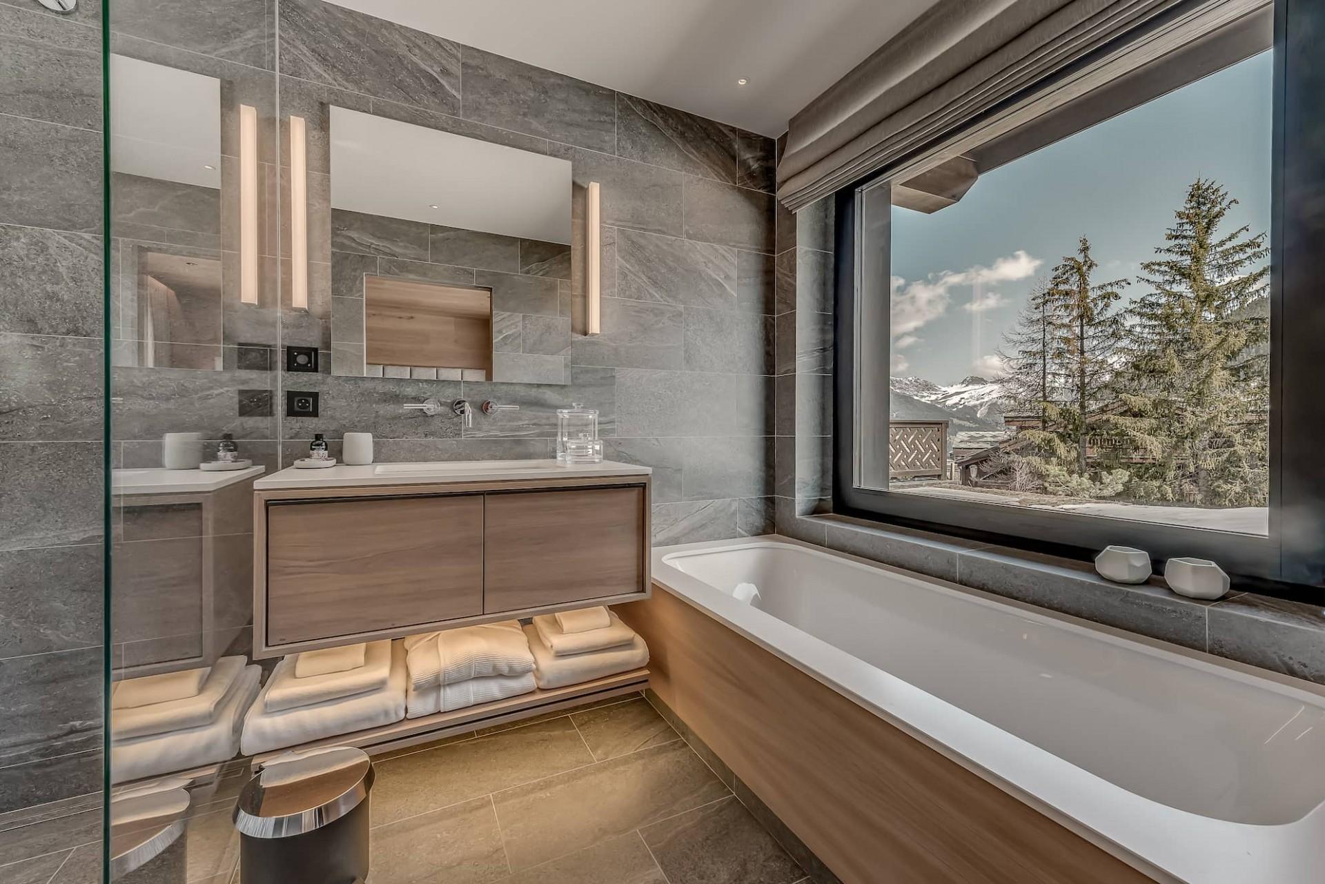 Courchevel 1650 Luxury Rental Chalet Elana Bathroom 5