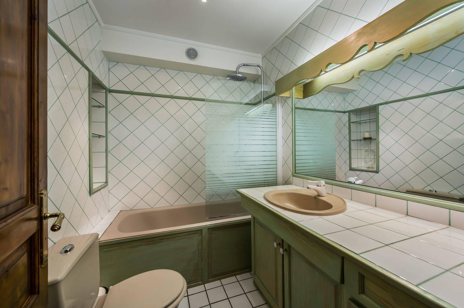 Courchevel 1850 Luxury Rental Appartment Calomel Bathroom