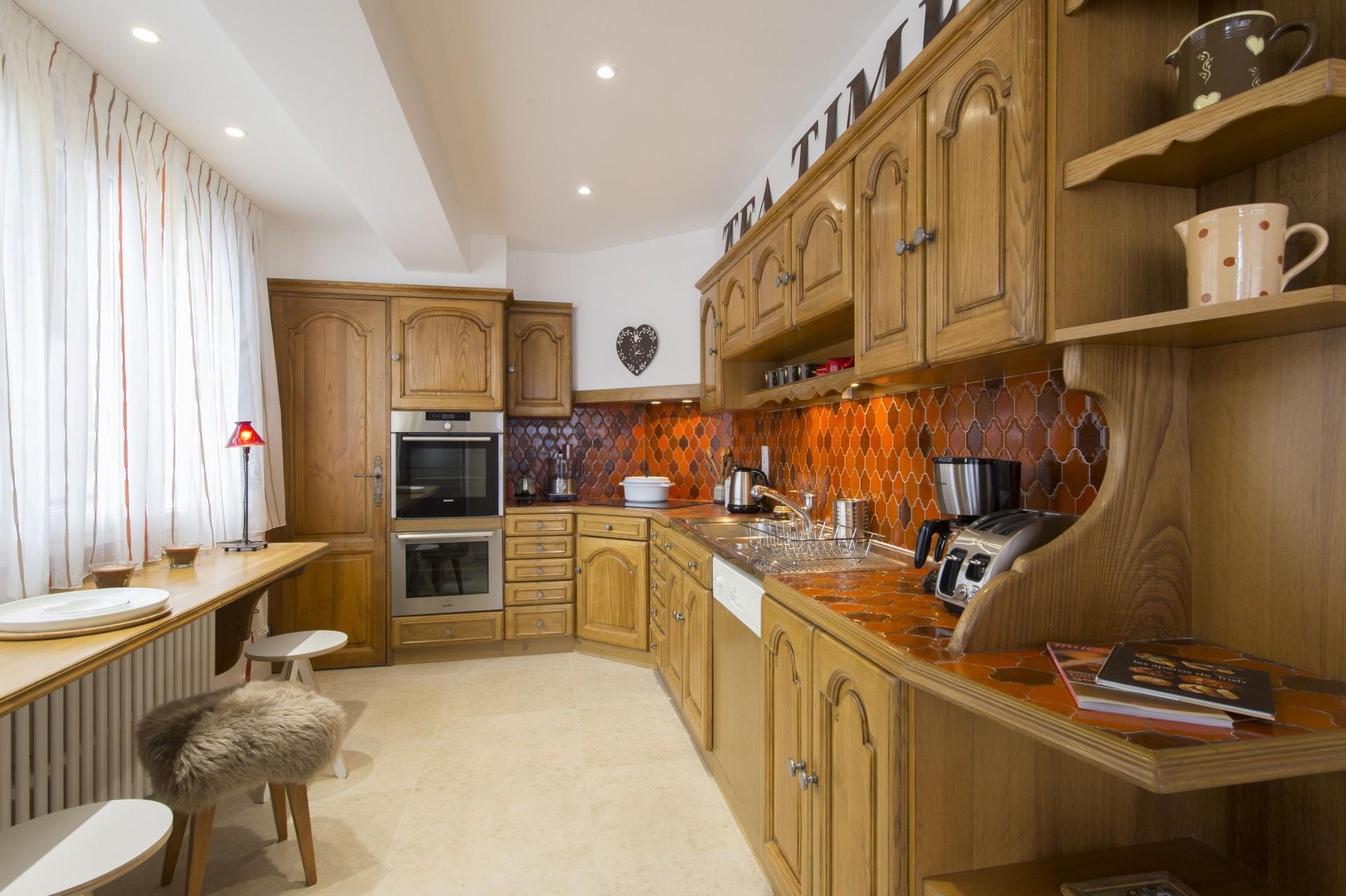 Courchevel 1850 Luxury Rental Appartment Taramite Kitchen
